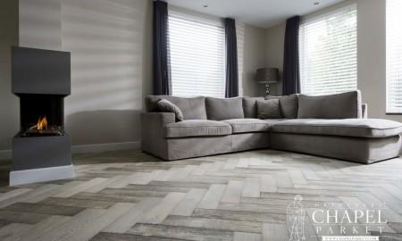 Nowoczesne wnętrza a postarzane podłogi