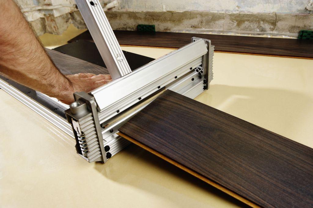 W jaki sposób zamontować właściwie panele laminowane?